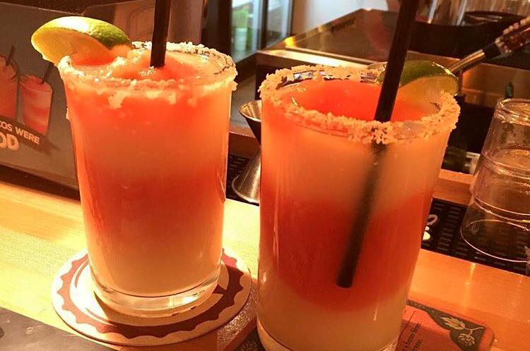 strawberry mango margaritas torchys tacos